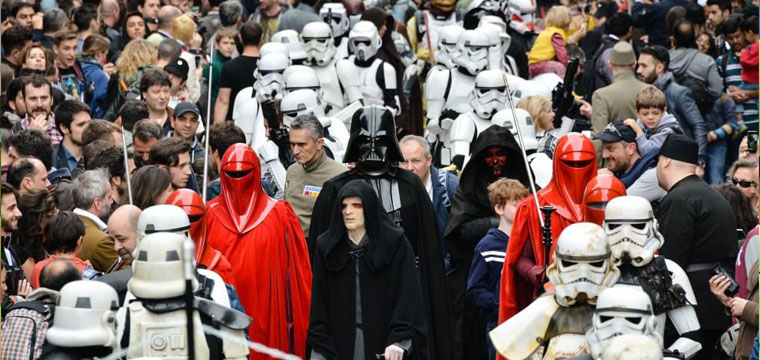 """I personaggi di Star Wars """"invadono"""" Milano"""