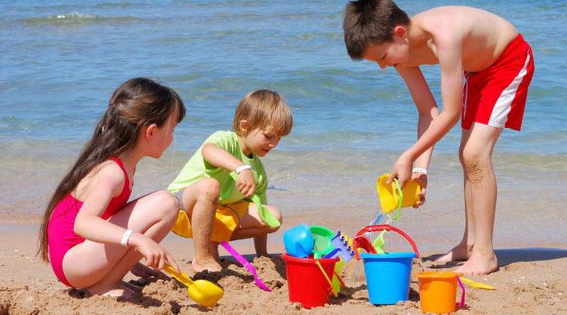 Giochi da spiaggia | 5 giochi da fare sotto l'ombrellone