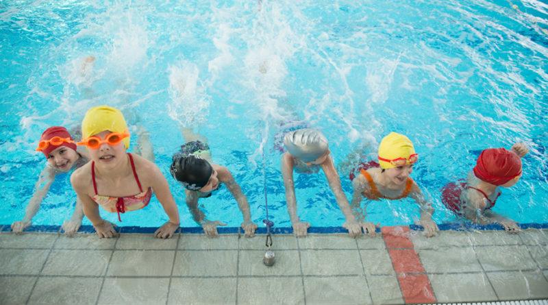 Come insegnare ai bambini a nuotare